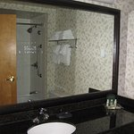 Holiday Inn Hotel & Suites North Vancouver Photo