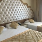 Oz Hotels Side Premium Photo