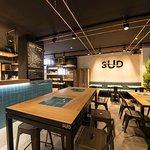 Restaurant climatisé, cuisine ouverte, cuisine du SUD, carte renouvelée toutes les 3 semaines