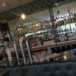 Bar-scene ...