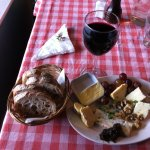 Cheese board : Blue cheese and 3 others (yumm with red wine bread and butter)