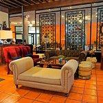 Acogedor, amplio y bello lobby