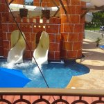Great Parnassus Family Resort resmi