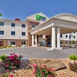 Foto di Holiday Inn Express Hotel & Suites Sedalia