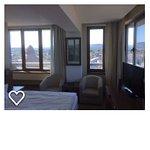 Corner room 809