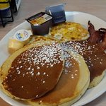 I went for pancakes and eggs, they were good