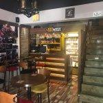 Cadde Cafe & Bar