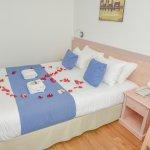 chambre avec pétales de rose  (déco avec supplément <10 euros)