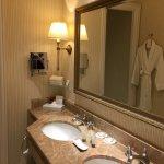 The king room bathroom