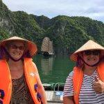 à la baie Halong