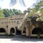 Photo de Lion & Elephant Motel