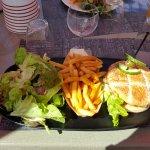 Le Petit Relais - classic burger