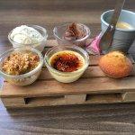 Repas de ce midi en terrasse magret glace aux cèpes charlotte d'agneau 8;12 tiramisu banane Nute