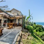 The Lapa - with braai, pizza oven and ocean views