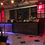 Foto van The Subterranean Bar and Grill