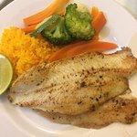 Cena pescado a la plancha verdura