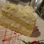 Lemonchello Cake