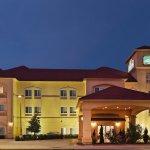 Photo of La Quinta Inn & Suites Cedar Hill