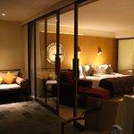 Chambre depuis la terrasse privée tout confort