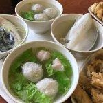 Photo de Zhou Shi Shrimp Roll