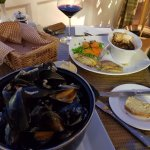 An amazingly good mussels and seafood selection