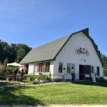 Quaint barn & grounds