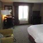 Photo de Hampton Inn by Hilton Calgary Airport North