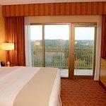 Photo de Embassy Suites by Hilton Charlotte - Concord / Golf  Resort & Spa