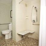 Photo de DoubleTree Suites by Hilton Hotel Raleigh-Durham