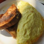Milano omelet with three ingredients and multi-grain toast
