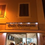 Photo de Gelateria dolci distrazioni