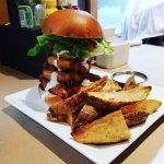 the '7-Wonders Veggie Burger' with bbq sauce #Vegan