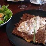 Galette de sarrasin savoyarde (reblochon, champignons, crème)