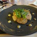 Succulent foie gras , mais dans une assiette moins originale que celle de déco.