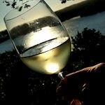 Fim de tarde com vinho no bira