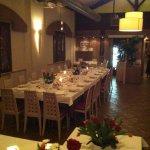 Sala Ristorante , grande tavolo per cena aziendale