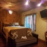 Cliff House Lodge and Hot Tub Cottages resmi