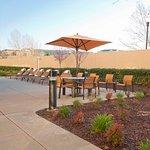 Photo de Courtyard Sacramento Folsom