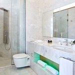 Photo de Avra City Hotel