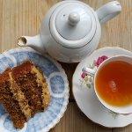 Earl Grey tea with walnut & coffee cake