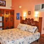 Casita 4 King, or double room with added single bed on request. TV for movies, radio.