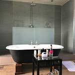 Bathroom in Comtes de Champagne Suite