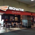 Budweiser Bowtie resmi