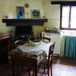 camera e cucina per tre persone, caldo e accogliente