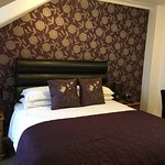 Room 2 - Double room with kingsize bed