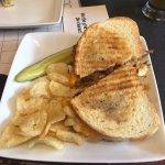 Mac & Rib Sandwich