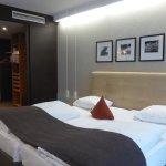 Suite: Bett und begehbarer Kleiderschrank