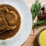 Ossobuco con risotto allo zafferano - Braised veal shank with saffron risotto