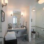 Queen Petite Bathroom