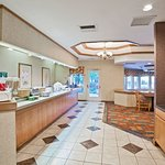 Foto de La Quinta Inn & Suites Overland Park